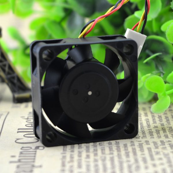 Free Delivery. 4 cm 4015 large wind fan 12 v 0.15 A D04R - 12 th 17 b