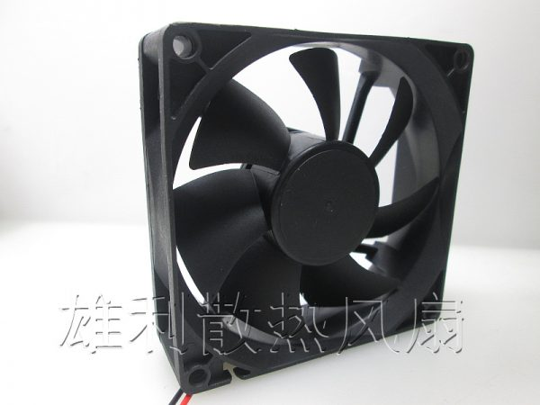 Free delivery.M802512M A 12V 0.14A 8025 8CM 2-wire power supply chassis cooling fan